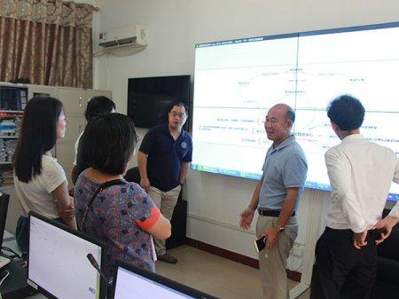 3月14日清华同方教授参观控制中心并提出意见